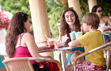 Pay once and enjoy delicious meals and exclusive benefits throughout the day with the purchase of the All-Day Dine Deal wristband at Adventure Island Tampa Bay